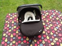 Silver Cross Isofix base & Silver Cross Ventura Plus S baby car seat £80