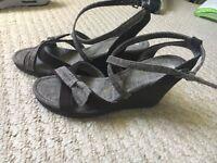 Size 5 ladies shoes.