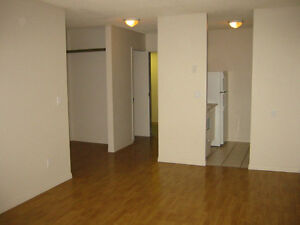 *INCENTIVES* 2 Bdrm in Adult Bldg ~ Utilities Included~Lexington