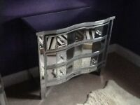Mirrored 3 drawer chest of drawers