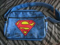 DC COMICS SUPERMAN RETRO MESSENGER SHOULDER BAG BRAND NEW WITH TAGS STILL ON