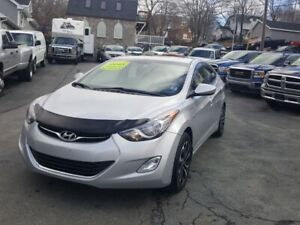 2013 Hyundai Elantra GLS i owner with 56000 kms