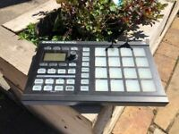 Maschine Mikro - Boxed and includes Komplete Elements