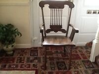 Oak Dining table 72ins long by 42 ins wide with 6 chairs, selling due to moving .