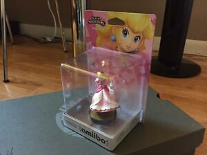 Factory defect legless peach amiibo