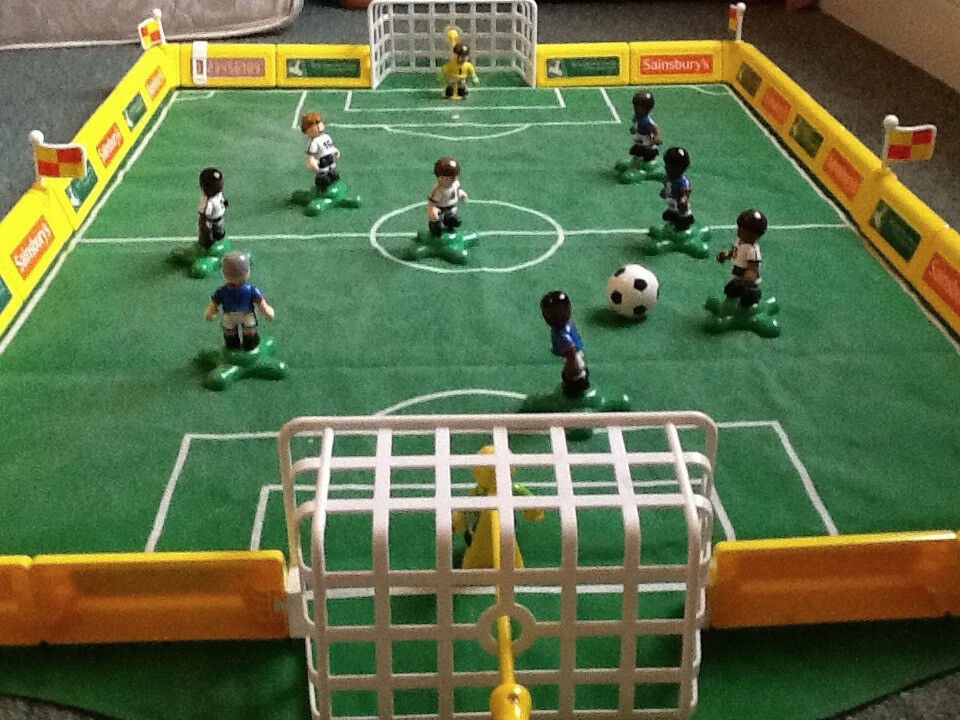 Football Game by Early Learning Centre. Subbuteo for little people! Suitable 3 years+ including box