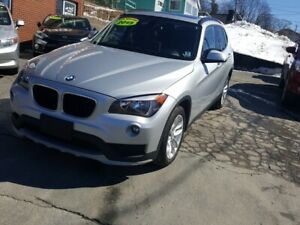 2015 BMW X1 xDrive28i 1 owner .fully loaded  with panoramic s...