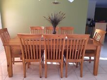 Dining suite and matching hutch Maryland Newcastle Area Preview