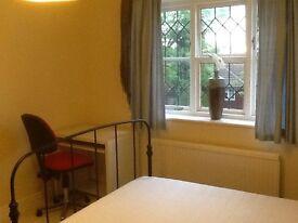 DOUBLE BEDROOM IN LANGDON HILLS