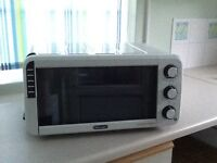 Delonghi Mini Oven E012012W
