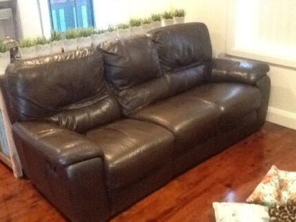 Brown leather 3 seat double recliner lounge Emu Heights Penrith Area Preview
