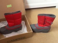 Red snow boots size 2