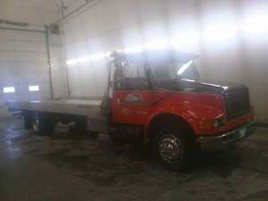 1996 international 4700 444e rollback deck truck low profile