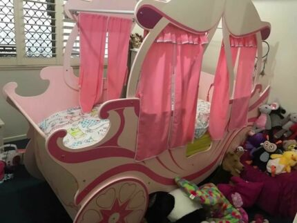 wanted princess carriage bed
