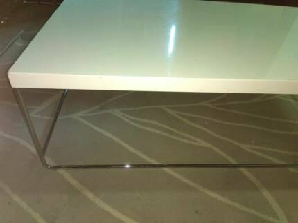 Coffee Table High Gloss Red | Coffee Tables | Gumtree Australia Ryde Area    Eastwood | 1192716929