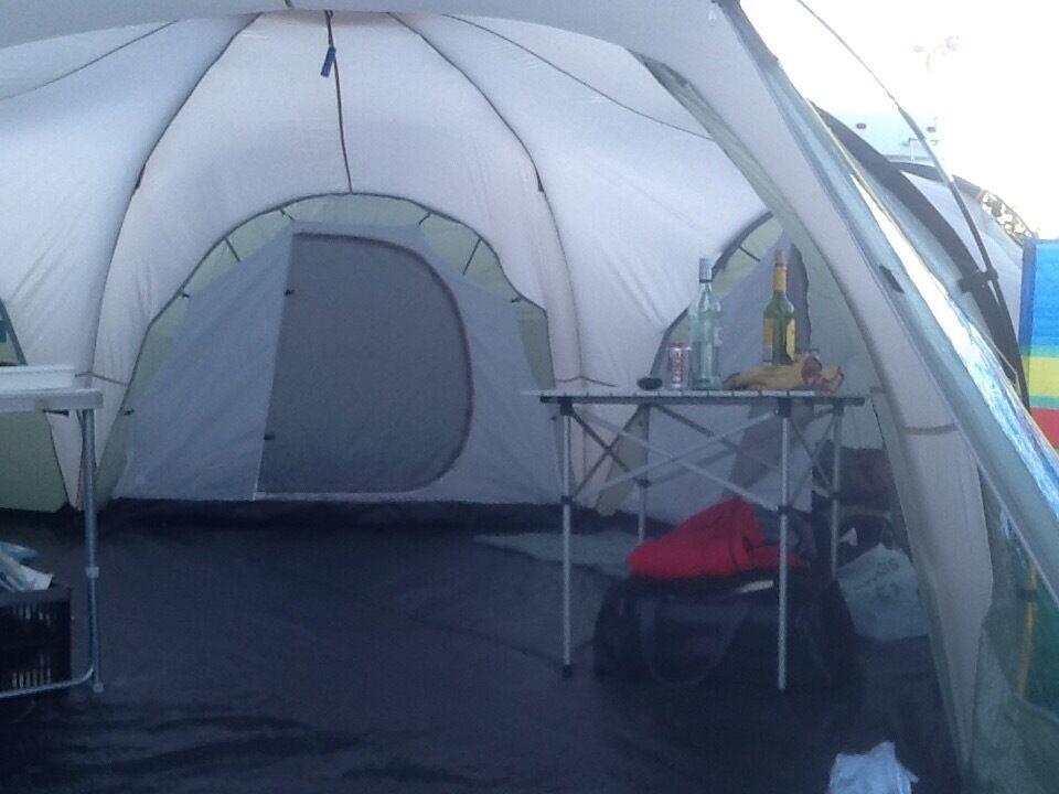 Skandika 8 man tent. Large 3 pod tent water resistant material. & Skandika 8 man tent. Large 3 pod tent water resistant material ...