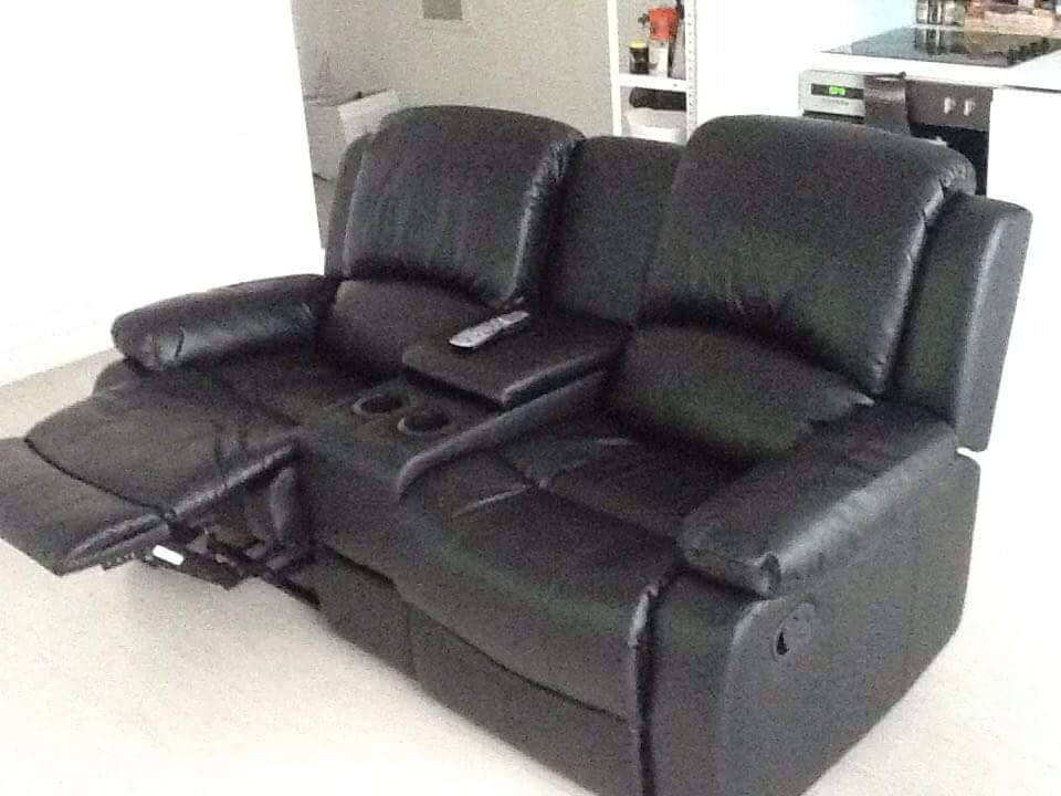 NEARLY NEW VALENCIA 2 SEATER RECLINER SOFA WITH CONSOLE