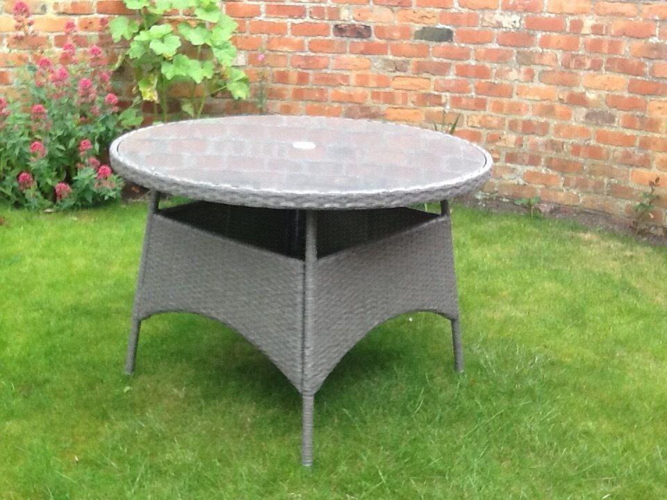 Round Garden Dining Table Part - 28: Rattan Round Garden Dining Table
