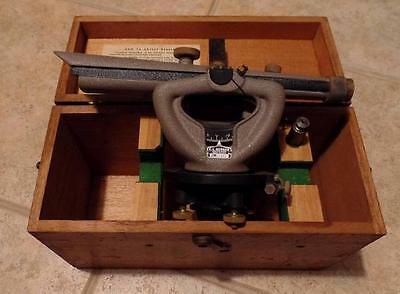 Vintage Cl Berger 2m-1621 Transit Level W Wood Case Plumb Bob Working Cond