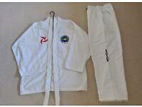 Tae Kwondo Suit ITF - Size 4 Medium Adult Beginner with White Belt