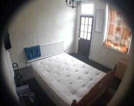 Duble room for rent.