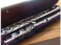 Yamaha 211 Flute & Accessories