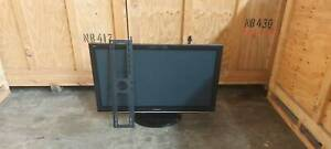 Panasonic viera 50 inch plasma tv with wall mounting bracket