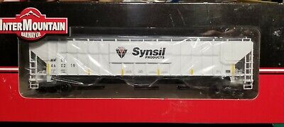 Intermountain Synsil Products PS-2 4750 3-Bay Covered Hopper  Hopper Ps2 3 Bay