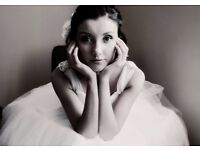 Wedding and Portrait Photographer offering reduced prices for photoshoots.