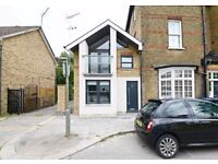 2 bedroom house in East Finchley, Old Village