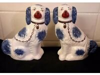 STAFFORDSHIRE VINTAGE PAIR OF LARGE SPANIELS