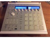 Native Instruments Maschine MK2 with Maschine 2 software and Komplete Selection