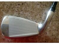 BARELY USED!! Wilson Staff Right Handed D250 5 Iron Regular Flex Graphite Shaft.