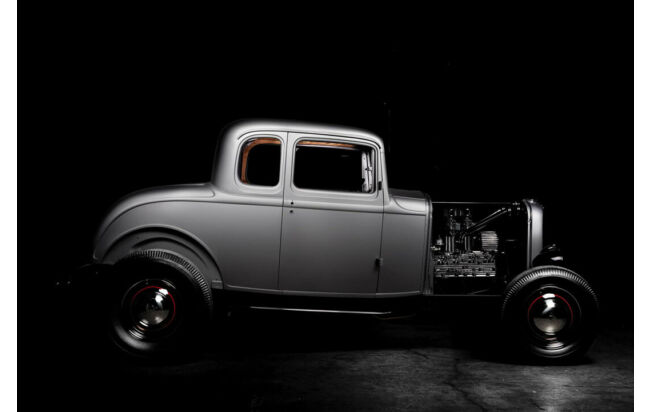 United Pacific Industries stellt (fast alle) Teile des Ford Model B Five Window Coupé in Lizenz her