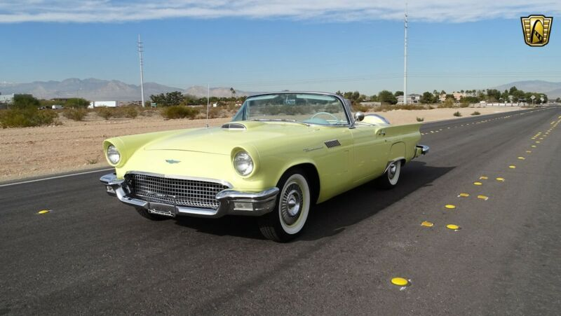 Image 7 Voiture Américaine de collection Ford Thunderbird 1957
