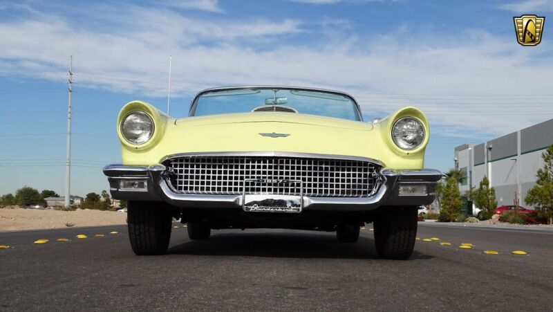 Image 9 Voiture Américaine de collection Ford Thunderbird 1957