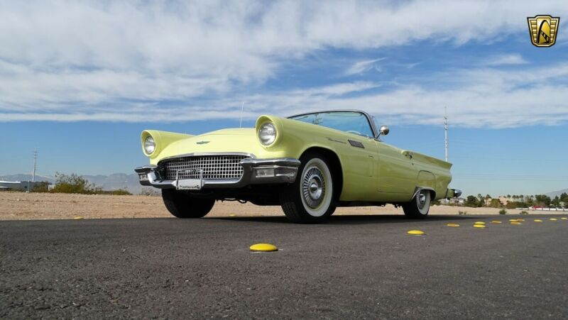 Image 6 Voiture Américaine de collection Ford Thunderbird 1957