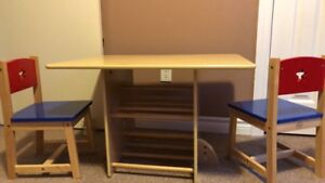 Child's desk with 2 chairs