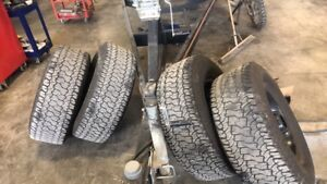 Tire 315/70r17   35''