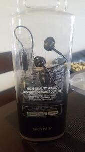 Sony high quality headphones and microphone -Retail 40$-New