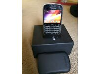 Blackberry Bold 9900 - Unlocked - Good Condition with charging stand and Case