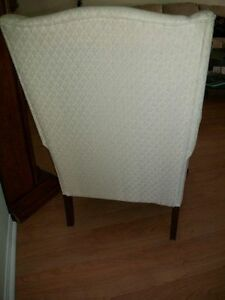 GORGEOUS IVORY WHITE QUEEN ANNE WING CHAIR & FOOTSTOOL Kingston Kingston Area image 6
