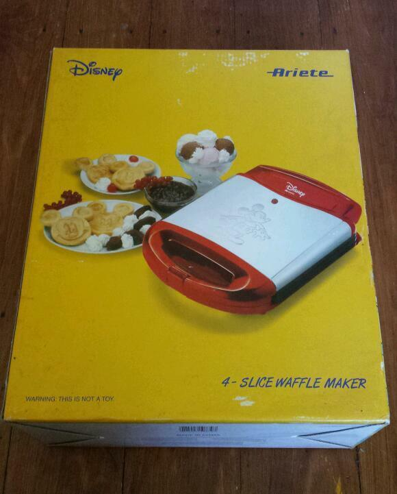 brand new disney mickey mouse waffle maker in. Black Bedroom Furniture Sets. Home Design Ideas