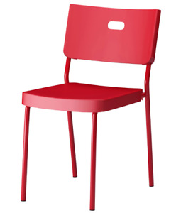 Chaise Ikéa, rouge