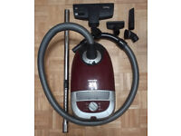 Miele vacuum cleaner 2200w Cat & Dog model