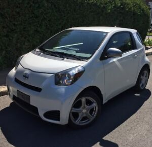 2013 Scion iQ Coupé (2 portes)