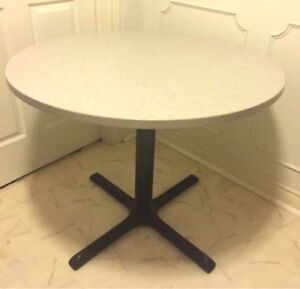 Round table is great condition