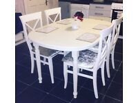 Beautiful extending table and 4 chairs