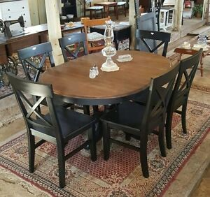 Round table kijiji free classifieds in edmonton find a for Dining room tables kijiji edmonton