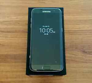 32GB Samsung Galaxy S7 Edge (Unlocked) + Accessories